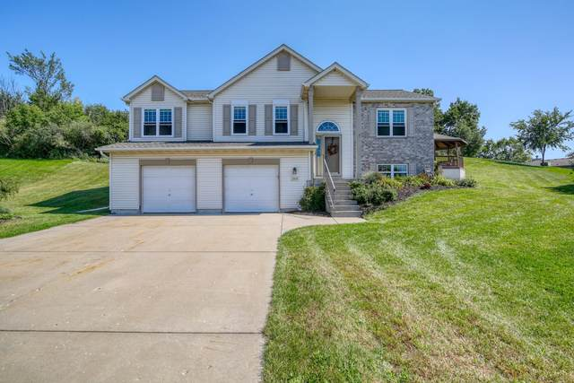 2605 Upper Forest Ln, West Bend, WI 53090 (#1763768) :: EXIT Realty XL