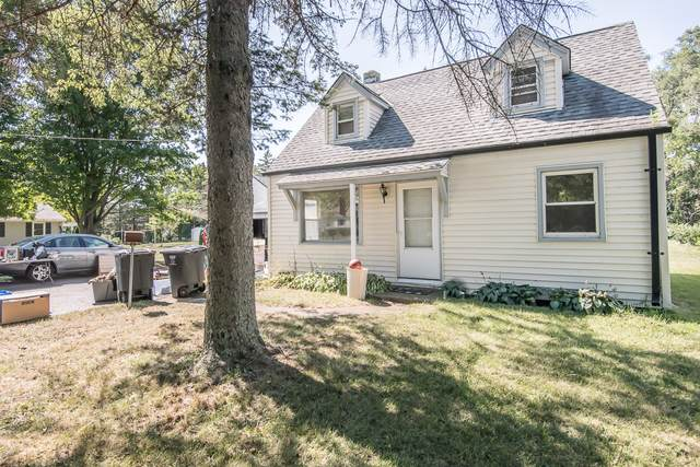 W228S8755 Cherry St, Big Bend, WI 53103 (#1763799) :: Re/Max Leading Edge, The Fabiano Group