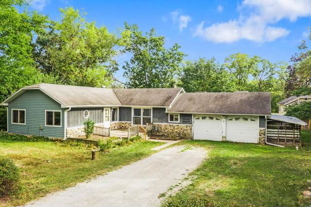 31011 75th Pl, Salem Lakes, WI 53168 (#1763842) :: Re/Max Leading Edge, The Fabiano Group