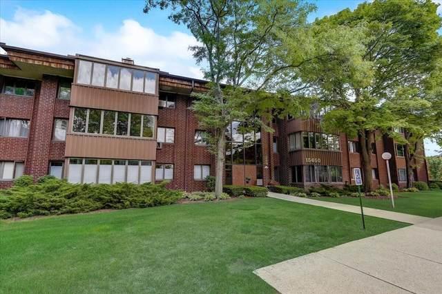 N85W15650 Ridge Rd #303, Menomonee Falls, WI 53051 (#1763867) :: OneTrust Real Estate