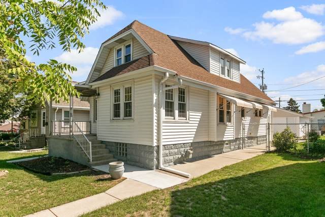 3241 W Lynndale Ave, Greenfield, WI 53221 (#1763922) :: RE/MAX Service First