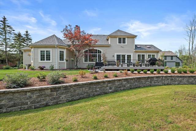 9732 N Columbia Creek Ln, Mequon, WI 53092 (#1763952) :: OneTrust Real Estate