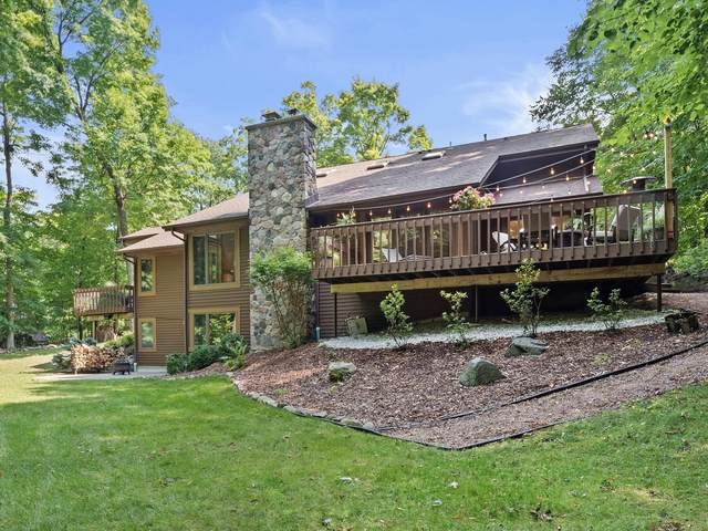 5421 Bauers Dr, West Bend, WI 53095 (#1763962) :: EXIT Realty XL