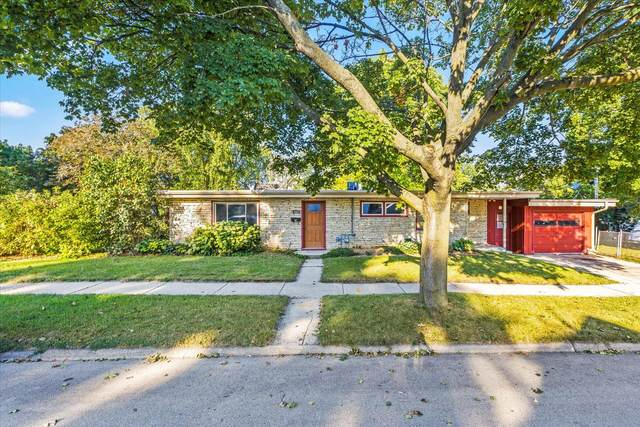 320 Garfield Ave, Waukesha, WI 53186 (#1763973) :: EXIT Realty XL