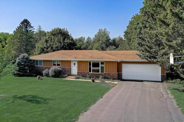 1651 Hillcrest Dr, Delafield, WI 53018 (#1763981) :: EXIT Realty XL