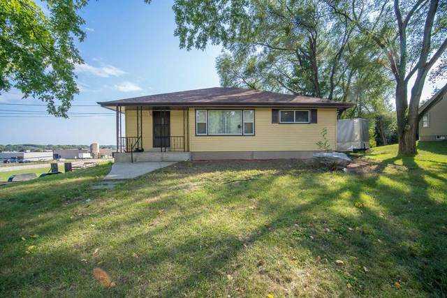 N96W14737 County Line Rd, Menomonee Falls, WI 53051 (#1764083) :: OneTrust Real Estate