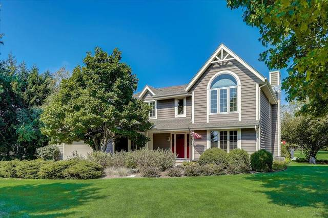 387 Copperfield Dr, Delafield, WI 53018 (#1764116) :: EXIT Realty XL