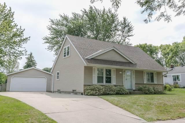 1015 E Minnesota Ave, Oak Creek, WI 53154 (#1764173) :: EXIT Realty XL