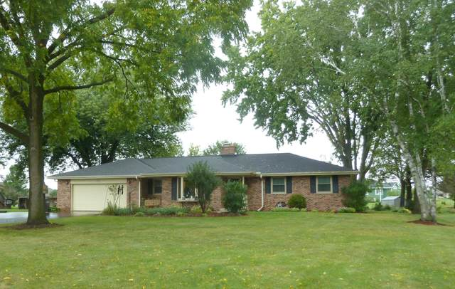 N40W22828 Sunset Dr, Pewaukee, WI 53072 (#1764197) :: EXIT Realty XL