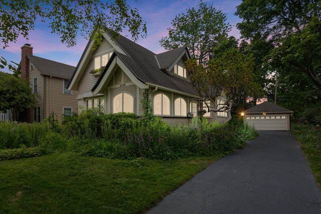 2416 E Beverly Rd, Shorewood, WI 53211 (#1764218) :: Tom Didier Real Estate Team