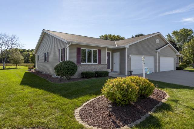 2209 Knuell St #2209, Manitowoc, WI 54220 (#1764247) :: EXIT Realty XL