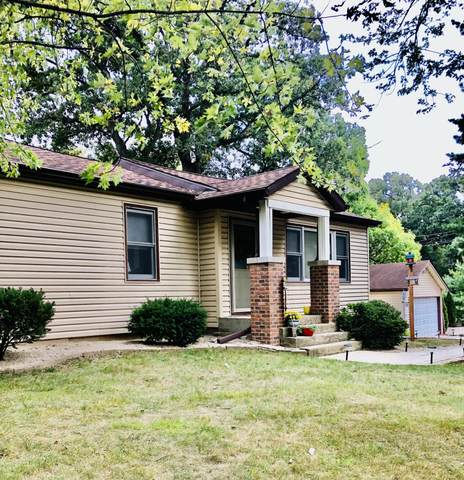 235 Marion Ave, Twin Lakes, WI 53181 (#1764415) :: Re/Max Leading Edge, The Fabiano Group