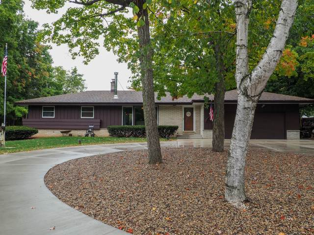 8825 Maple Dr, Caledonia, WI 53108 (#1764426) :: Re/Max Leading Edge, The Fabiano Group