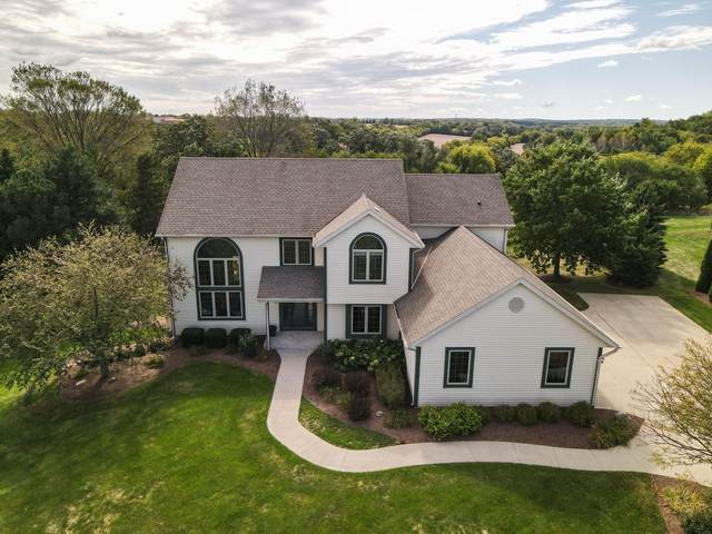 S29W30841 Wild Berry Ln, Genesee, WI 53188 (#1764435) :: Re/Max Leading Edge, The Fabiano Group