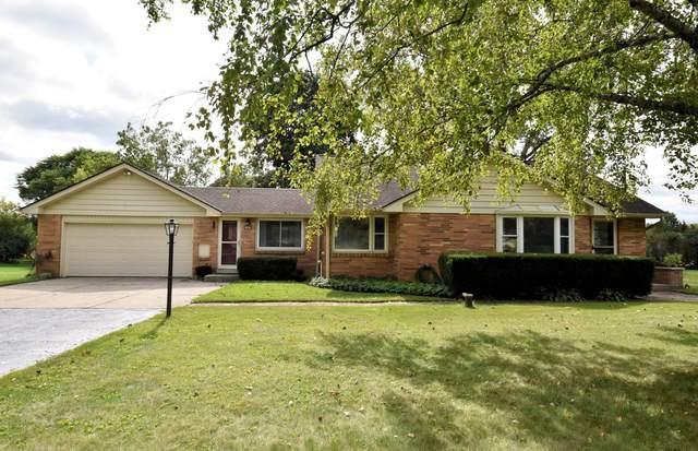 15025 Pershing Dr, Brookfield, WI 53005 (#1764451) :: Tom Didier Real Estate Team