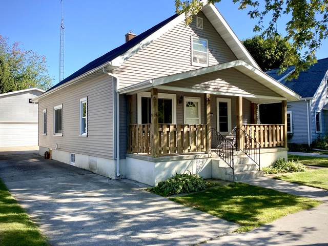 1812 26th St, Two Rivers, WI 54241 (#1764517) :: Re/Max Leading Edge, The Fabiano Group