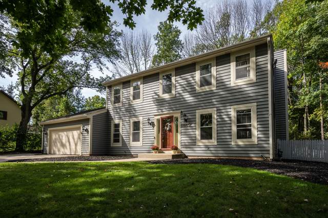 11647 N Austin Ave, Mequon, WI 53092 (#1764527) :: EXIT Realty XL