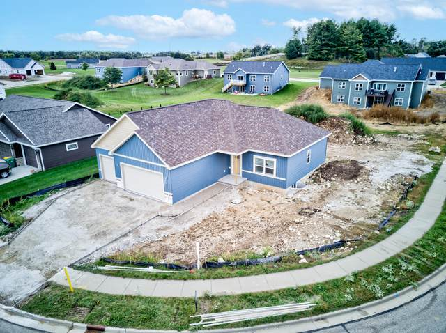 927 Pine Ridge St, Brownsville, WI 53006 (#1764559) :: EXIT Realty XL