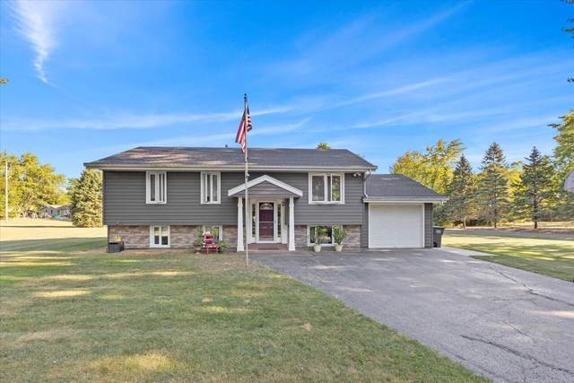 S88W30964 Meyer Dr, Mukwonago, WI 53149 (#1764623) :: Re/Max Leading Edge, The Fabiano Group