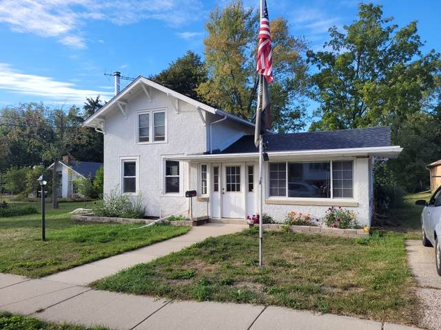 236 W Page St, Elkhorn, WI 53121 (#1764670) :: RE/MAX Service First