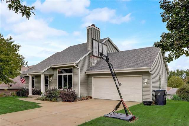 2704 Field Dr, Waukesha, WI 53188 (#1764672) :: EXIT Realty XL