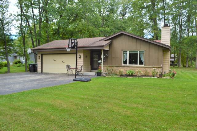 9760 276th Ave, Salem Lakes, WI 53179 (#1764728) :: RE/MAX Service First