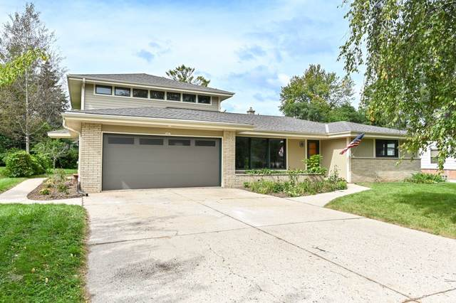 7027 N Seneca Ave, Glendale, WI 53217 (#1764889) :: Keller Williams Realty - Milwaukee Southwest
