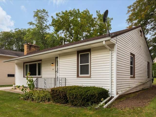 322 N Jackson St, Valders, WI 54245 (#1764914) :: Re/Max Leading Edge, The Fabiano Group