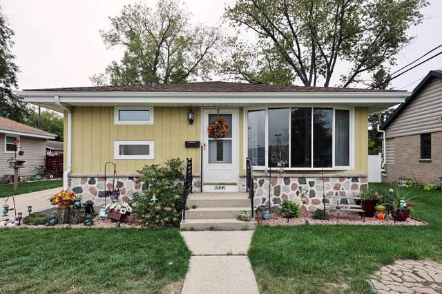 10841 W Copeland Ave, Hales Corners, WI 53130 (#1764943) :: RE/MAX Service First