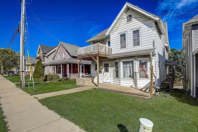 214 W Sumner St, Hartford, WI 53027 (#1764947) :: Keller Williams Realty - Milwaukee Southwest