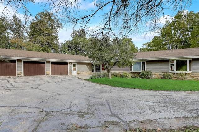 102 W Park Dr, Concord, WI 53066 (#1764949) :: Re/Max Leading Edge, The Fabiano Group