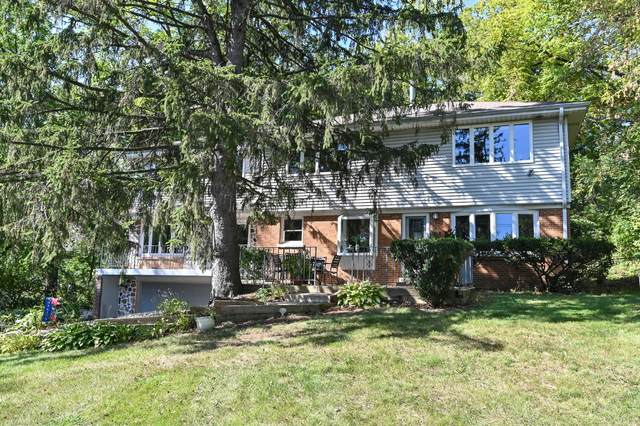 935 N 124th St, Elm Grove, WI 53122 (#1764966) :: RE/MAX Service First
