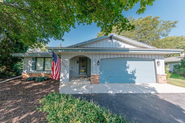5083 S 65th St, Greenfield, WI 53220 (#1764973) :: Re/Max Leading Edge, The Fabiano Group