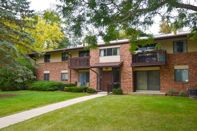 327 Park Hill Dr. H, Pewaukee, WI 53072 (#1764977) :: Re/Max Leading Edge, The Fabiano Group