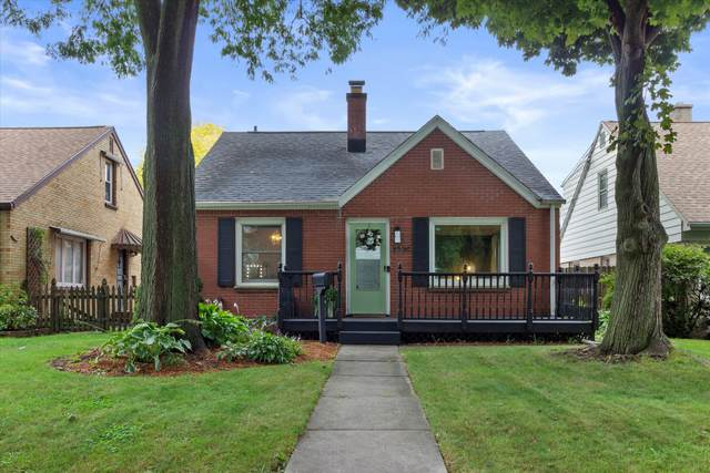 3206 N 78th St, Milwaukee, WI 53222 (#1764997) :: EXIT Realty XL