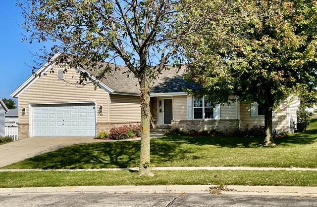 904 Steeplechase Dr, Watertown, WI 53094 (#1765108) :: RE/MAX Service First
