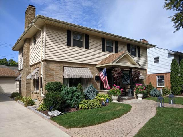 667 N 76th St, Wauwatosa, WI 53213 (#1765129) :: RE/MAX Service First