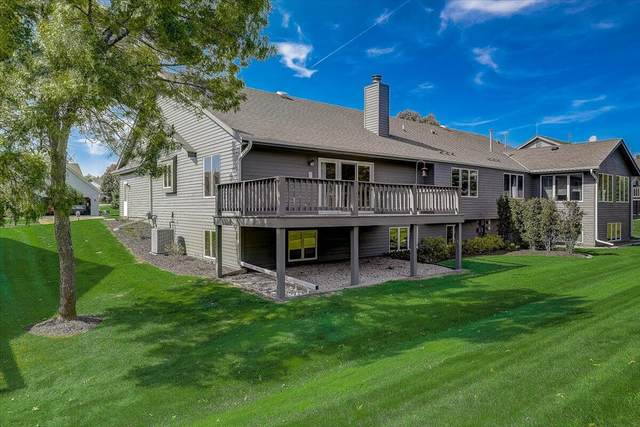 1313 Stonewood Cir, West Bend, WI 53095 (#1765186) :: EXIT Realty XL