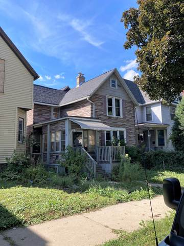 211 N 37th St, Milwaukee, WI 53208 (#1765245) :: Re/Max Leading Edge, The Fabiano Group