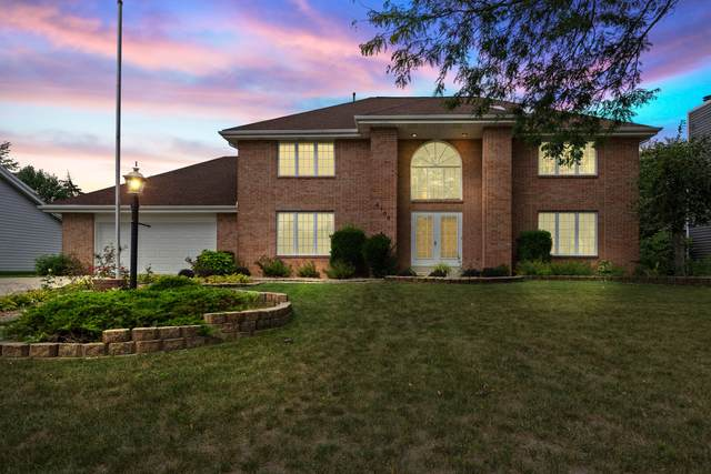 4105 S Avon Dr, New Berlin, WI 53151 (#1765427) :: Re/Max Leading Edge, The Fabiano Group