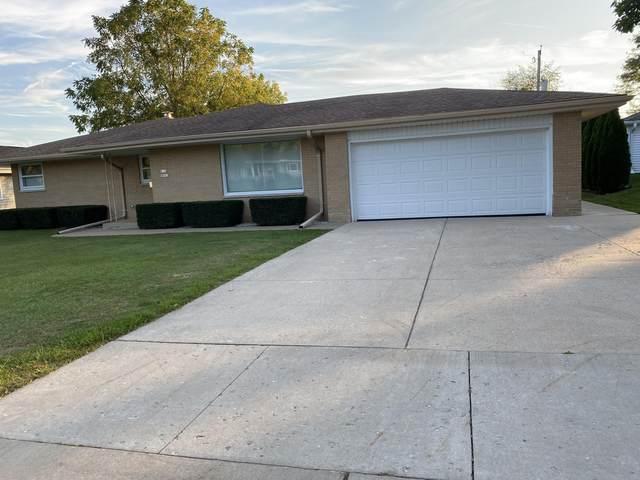W184N8943 St James Dr, Menomonee Falls, WI 53051 (#1765436) :: Ben Bartolazzi Real Estate Inc