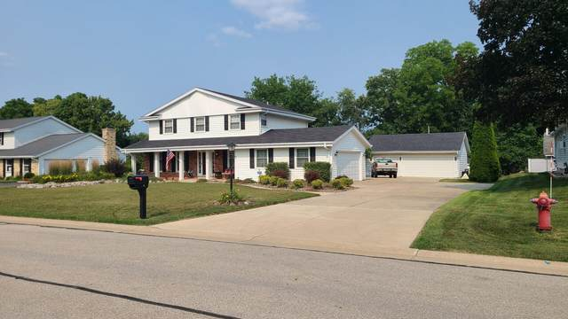 2460 S Graylog Ln, New Berlin, WI 53151 (#1765608) :: RE/MAX Service First