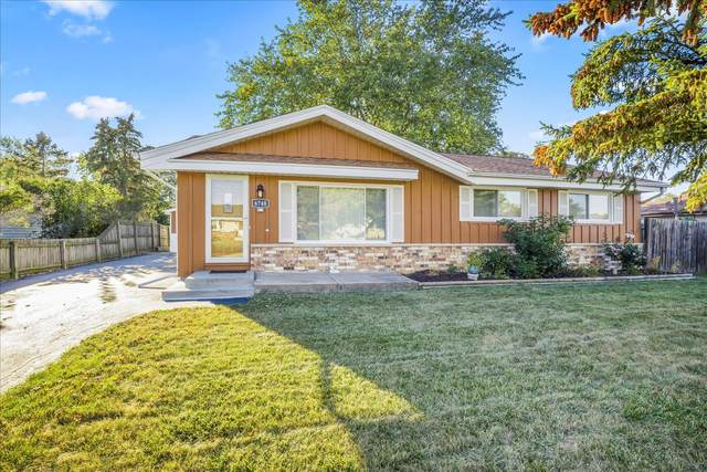 6748 Lone Elm Dr, Caledonia, WI 53402 (#1765611) :: RE/MAX Service First
