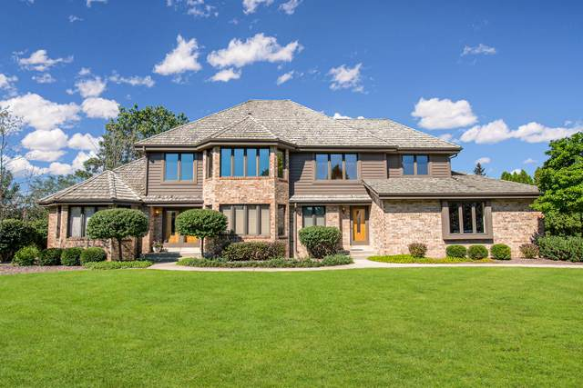 11003 N Wyngate Trace, Mequon, WI 53092 (#1765719) :: Re/Max Leading Edge, The Fabiano Group