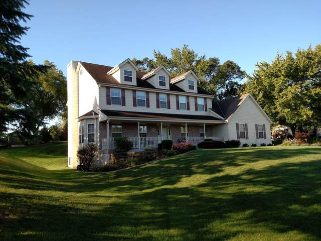 6749 W River Terrace Dr, Franklin, WI 53132 (#1766126) :: RE/MAX Service First