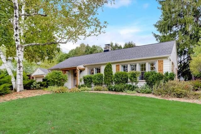 8347 N Whitney Rd, Fox Point, WI 53217 (#1766144) :: Tom Didier Real Estate Team