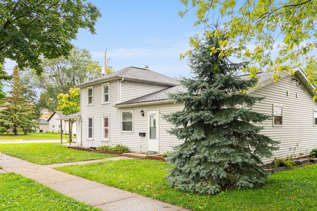 303 N Finch St, Horicon, WI 53032 (#1766419) :: RE/MAX Service First
