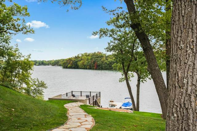 34352 Valley Rd, Delafield, WI 53066 (#1766621) :: RE/MAX Service First