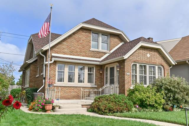 6032 W Orchard St, West Allis, WI 53214 (#1766640) :: EXIT Realty XL