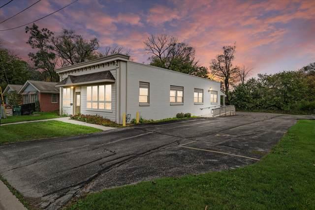 122 S Webster St, Port Washington, WI 53074 (#1766650) :: Tom Didier Real Estate Team